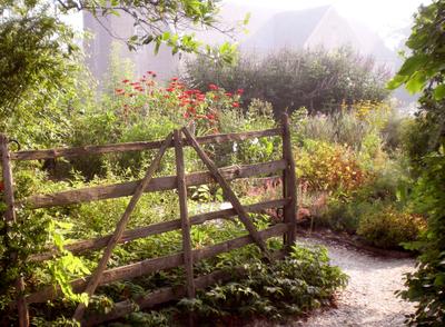 Historic_garden_entry_2